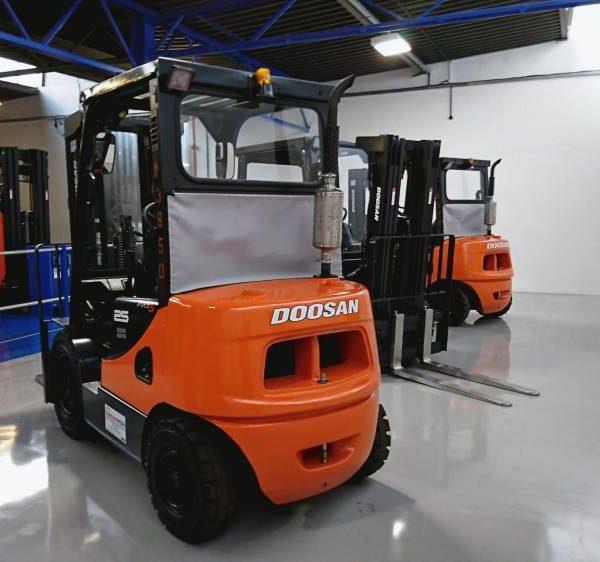 access equipment rental, forklift truck for hire & sale, pallet truck rental