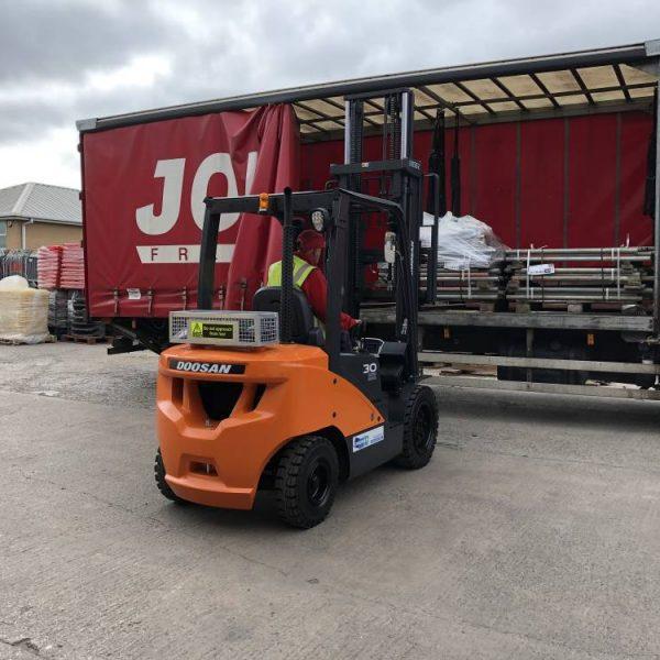 pallet truck rental, forklift truck for hire & sale, warehouse equipment rental