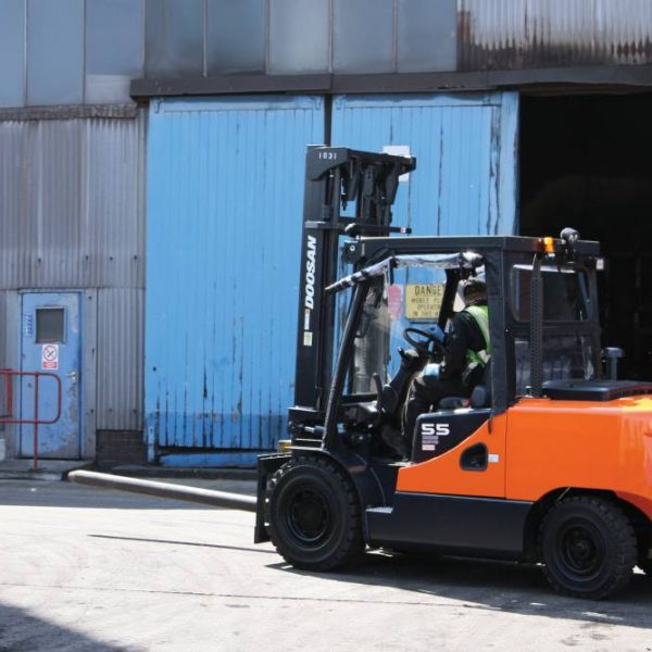 forklift truck rental, scissor lift rental, material handling equipment