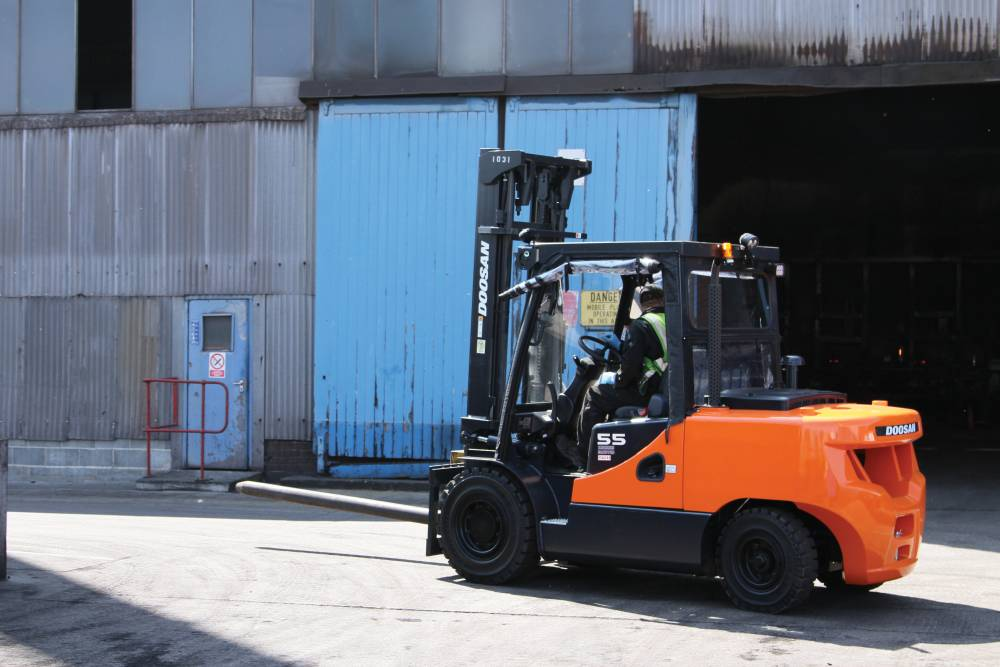 forklift truck rental, scissor lift rental, material handling equipment