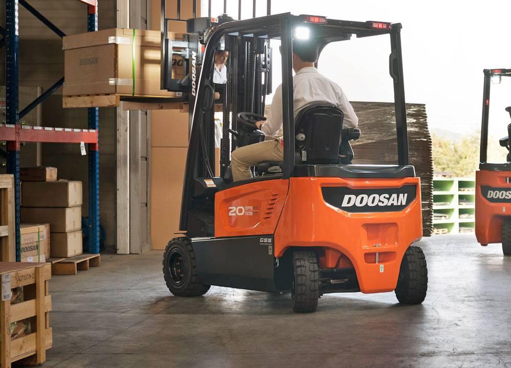 choosing a forklift truck